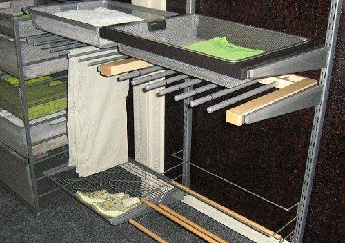 Внутреннее наполнение гардеробной комнаты или шкафа-купе