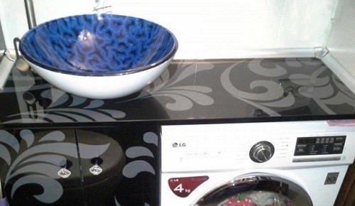 Мебель для ванны со встроенной стиральной машиной