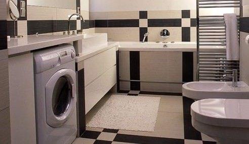 встроить стиральную машину в ванной в шкаф