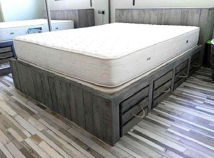 кровать-подиум из поддонов своими руками