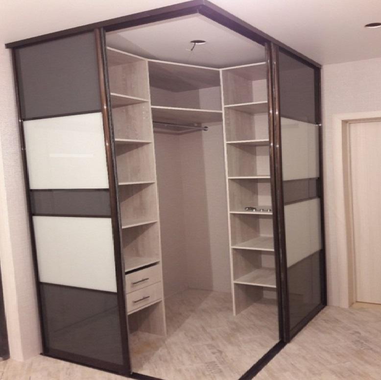 встроенный угловой шкаф-купе гардеробная